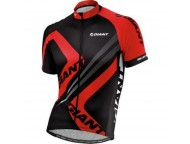 Maillot GIANT Triangle Noir Rouge